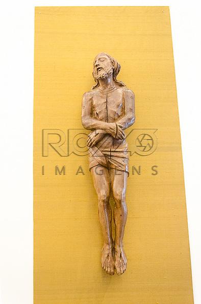 Cristo, madeira, século XVIII, Alemanha. Acervo do Museu de Arte Sacra de São Paulo, São Paulo - SP, 02/2013.