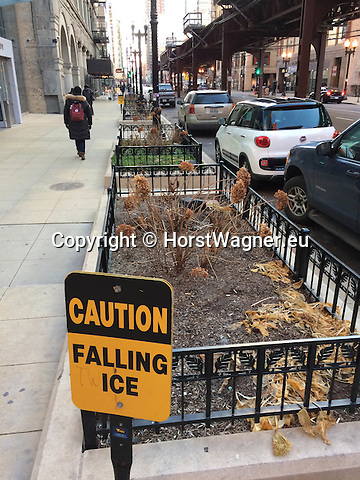 Chicago, Illinois, United States of America / USA; December 27, 2016 -- Fenced bed to be a green corridor (after winter season) along Wabash Avenue -- Photo: © HorstWagner.eu