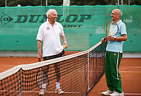 Netherlands, Amstelveen, August 18, 2015, Tennis,  National Veteran Championships, NVK, TV de Kegel,  Men's 85+ years,  Arno de Visser (R) and Tertius Olff<br /> Photo: Tennisimages/Henk Koster