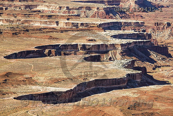 Tom Mackie, LANDSCAPES, LANDSCHAFTEN, PAISAJES, photos,+America, American, Americana, Canyonlands National Park, Mesa, North America, US, USA, United States of America, Utah, awe, b+eauty, canyon, canyonlands, cliff, dramatic outdoors, erode, eroded, erosion, formation, grand, green, horizontal, horizontal+s, landscape, landscapes, national park, nature, overlook, plateau, red, rim, river, rock, rocky, rough, sandstone, scene, si+lence, tranquil, travel, vacation, view, wilderness,America, American, Americana, Canyonlands National Park, Mesa, North Amer+,GBTM150435-1,#l#