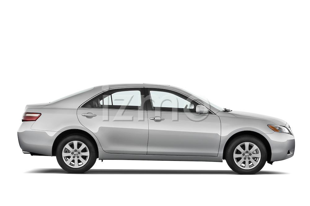 Passenger side profile view of a 2008 Toyota Camry XLE.