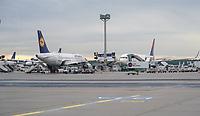 Maschinen auf den Vorfeldpositionen am Frankfurter Flughafen - Frankfurt 16.10.2019: Eichwaldschuele Schaafheim am Frankfurter Flughafen