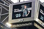 Duitsland, Gelsenkirchen, 28 april  2013.Seizoen 2012-2013.Bundersliga.FC Schalke 04 - Hamburger SV.Klaas Jan Huntelaar wordt uitgeroepen als man van de wedstrijd tegen Hamburger SV met twee doelpunten