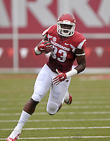 NWA Democrat-Gazette/BEN GOFF @NWABENGOFF<br /> Jeremy Sprinkle, Arkansas tight end, carries the ball on Saturday Sept. 5, 2015 during the first quarter of the game in Razorback Stadium in Fayetteville.