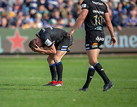 Bath Rugby's Freddie Burns holds his head in his hands after failing to score<br /> <br /> Photographer Bob Bradford/CameraSport<br /> <br /> European Rugby Champions Cup - Bath Rugby v Toulouse - Saturday 13th October 2018 - The Recreation Ground - Bath<br /> <br /> World Copyright &copy; 2018 CameraSport. All rights reserved. 43 Linden Ave. Countesthorpe. Leicester. England. LE8 5PG - Tel: +44 (0) 116 277 4147 - admin@camerasport.com - www.camerasport.com