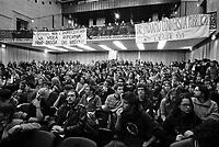 milano, incontro tra gli studenti e il rettore dell'università statale per discutere della riforma dell'istruzione --- milan, meeting between the students and the chancellor of the state university to discuss the school reform