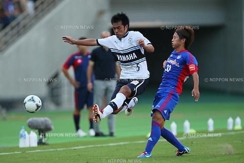 (L to R) .Yuichi Komano (Jubilo), .Kenta Mukuhara (FC Tokyo), .SEPTEMBER 29, 2012 - Football /Soccer : .2012 J.LEAGUE Division 1 .between F.C. Tokyo 2-1 Jubilo Iwata .at Ajinomoto Stadium, Tokyo, Japan. .(Photo by YUTAKA/AFLO SPORT) [1040]