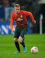 FUSSBALL   1. BUNDESLIGA    SAISON 2012/2013    11. Spieltag   FC Schalke - 04 Werder Bremen                              10.11.2012 Kevin De Bruyne (SV Werder Bremen) Einzelaktion am Ball