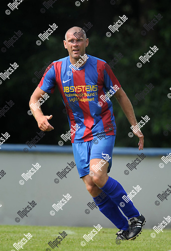 2013-07-15 / Voetbal / seizoen 2013-2014 / Rapid Leest - Hoogstraten VV / Tom Van den Branden<br /><br />Foto: Mpics.be
