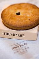 """Europe/France/Aquitaine/64/Pyrénées-Atlantiques/Saint-Palais : le Gâteau basque de chez """"Ithurralde"""" patissier"""