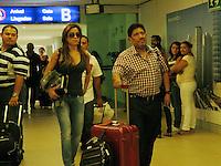 llegada de Juan Osorio y su pareja al areopuerto de Merida para el enlace nupcial de Emiliano Salinas y Ludwika Paleta. <br /> **Ichkan/NortePhoto