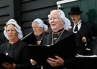 Zaabse Schans Folkloredag. Wieringer Sanghers in klederdracht
