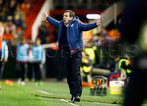 18.02.2016. Mestalla Stadium, Valencia, Spain. Europa League. Valencia versus Rapid Wien. Valencia CF Head coach Gary Neville gestures