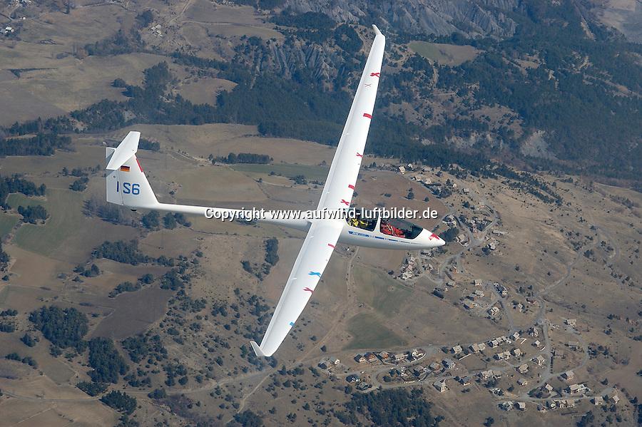 ASH 25 M:FRANKREICH, SEEALPEN  21.03.2005:Segelflug, Segelflugzeug, ASH 25 M, IS 6, D-KAJS