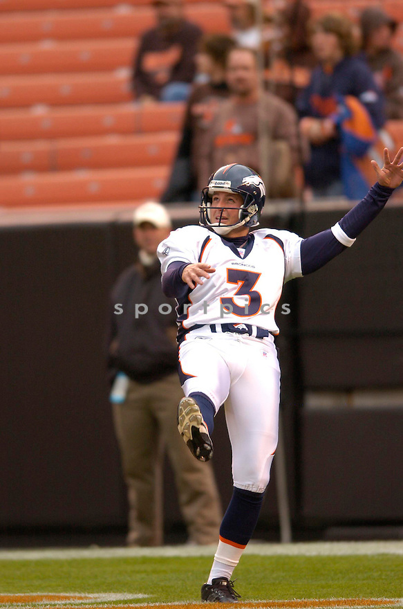 PAUL ERNSTER, of the Denver Broncos, in action against the Cleveland Browns on October 22, 2006 in Cleveland, OH...Broncos win 17-7..Chris Bernacchi / SportPics.