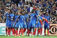 Jubel Frankreich vor den Fans, Antoine Griezmann (Frankreich, France) wird hochgehoben - UEFA Euro 2016: Deutschland vs. Frankreich, Stade Velodrome Marseille, Halbfinale M50