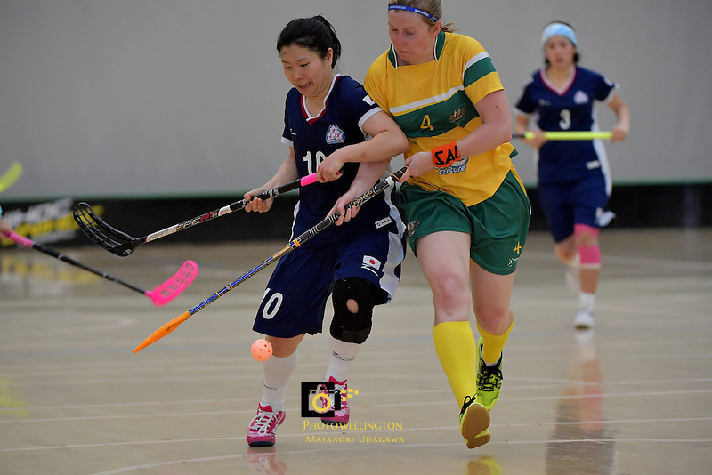Japan's Yuki Takahashi and Australia's Tara Meyer in action during the World Floorball Championships 2017 Qualification for Asia Oceania Region Final - Australia v Japan at ASB Sports Centre , Wellington, New Zealand on Sunday 5 February 2017.<br /> Photo by Masanori Udagawa<br /> www.photowellington.photoshelter.com.