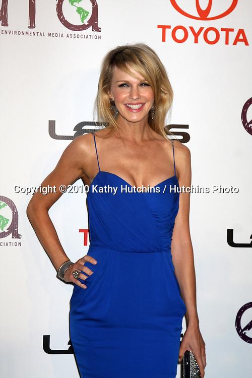 LOS ANGELES - OCT 16:  Kathryn Morris arrives at the 2010 Environmental Media Awards at Warner Brothers Studios on October 16, 2010 in Burbank, CA