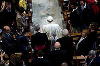 Papa Francesco arriva nella Basilica di San Bartolomeo sull'Isola Tiberina a Roma, 22 aprile 2017.<br /> Pope Francis arrives to the Basilica of San Bartolomeo on the Tiber Island in Rome. April 22, 2017. <br /> UPDATE IMAGES PRESS/Donatella Giagnori - Pool