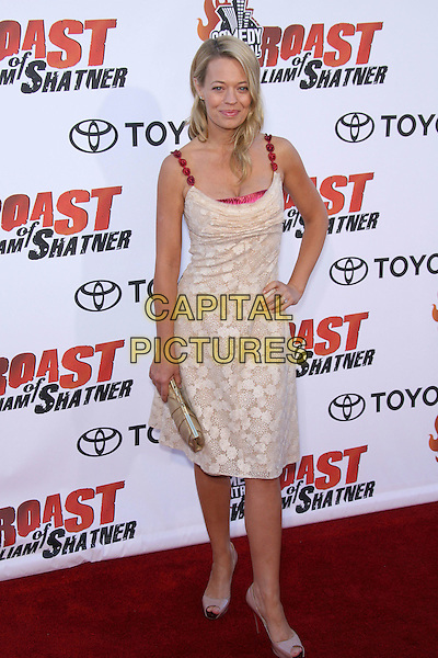 "JERI RYAN.""Comedy Central's Roast of William Shatner"" - Arrivals held at the CBS Studio Center, Studio City, California, USA..August 13th, 2006.Photo: Zach Lipp/AdMedia/Capital Pictures.Ref: ADM/ZL.full length cream beige gold dress red straps clutch bag Christian Louboutin peeptoe shoes jerri jerry hand on hip.www.capitalpictures.com.sales@capitalpictures.com.©Zach Lipp/AdMedia/Capital Pictures."