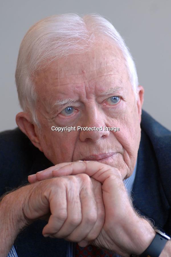 """21 AGOSTO 2007 SANTANDER.Jimmy Carter ex presidente EEUU durante la entrevista para el Pais en el  Palacio de la Magdalena .Antes de la clausura del seminario """"Energia y liderazgo democratico,el acceso a la energia para la reduccion de la pobreza""""organizado por el Club de Madrid dentro de los cursos de la UIMP..foto JOAQUIN GOMEZ SASTRE©"""