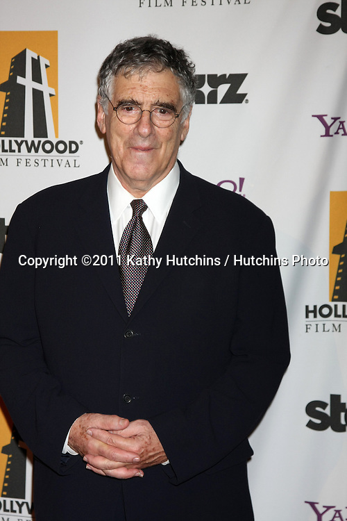 LOS ANGELES - OCT 24:  Elliott Gould arriving at the 15th Annual Hollywood Film Awards Gala at Beverly Hilton Hotel on October 24, 2011 in Beverly Hllls, CA