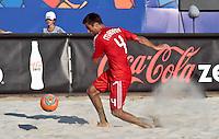 RAVENNA, ITALIA, 10 DE SETEMBRO 2011 - MUNDIAL BEACH SOCCER / EL SALVADOR X RUSSIA - Makarov jogador da Russia , durante a partida contra o Ruiz do El Salvador, válida pela semi-final do Mundial de Futebol de Areia no Estádio Del Mare, em Ravenna, na Itália, neste sábado (10).FOTO: VANESSA CARVALHO - NEWS FREE