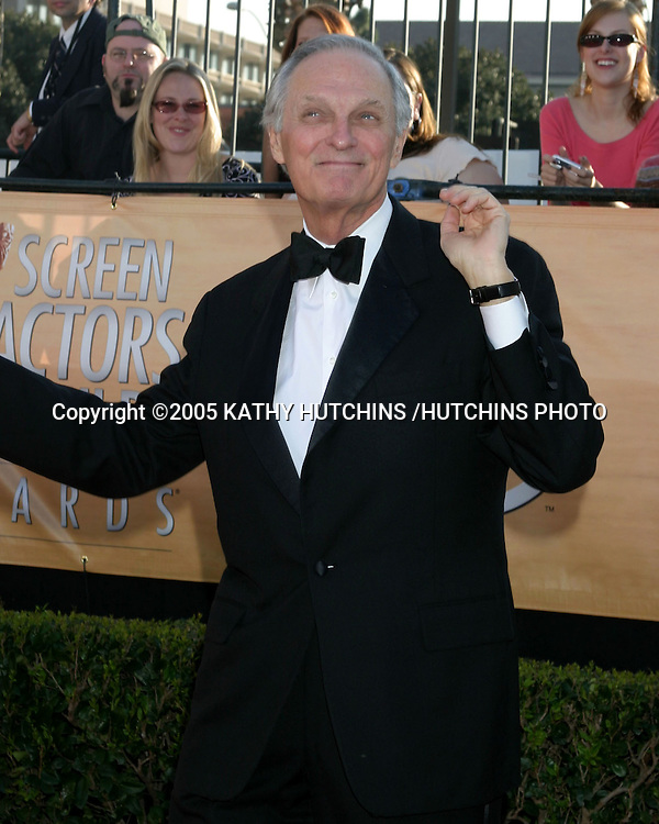 ©2005 KATHY HUTCHINS /HUTCHINS PHOTO.11TH SCREEN ACTOR'S GUILD AWARDS.SHRINE AUDITORIUM.LOS ANGELES, CA.FEBRUARY 5, 2005..ALAN ALDA