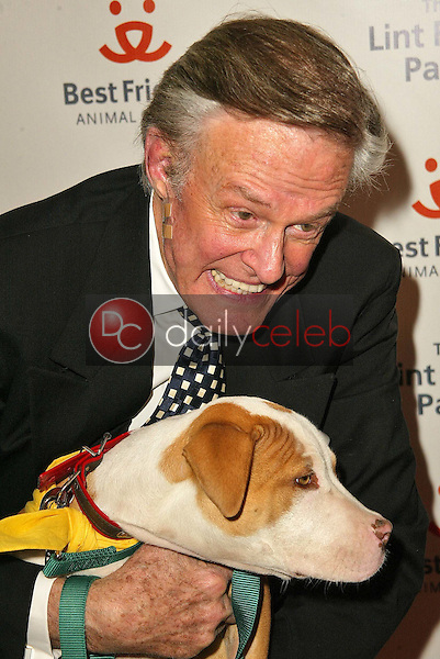 Robert Culp<br /> at the 2005 Annual Lint Roller Party by Best Friends Animal Society, Hollywood Roosevelt Hotel, Hollywood, CA 05-06-05<br /> David Edwards/DailyCeleb.Com 818-249-4998