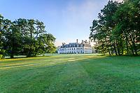 France, Loir-et-Cher (41), Cellettes, Château de Beauregard et le parc vue depuis le sud