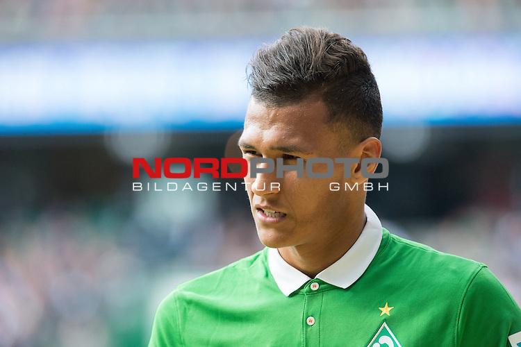 02.05.2015, Weser Stadion, Bremen, GER, 1.FBL. Werder Bremen vs Eintracht Frankfurt, im Bild<br /> <br /> <br /> Davie Selke (Bremen #27) <br /> Verletzung / verletzt / Schmerzen<br /> auswechslung <br /> <br /> <br /> Foto &copy; nordphoto / Kokenge