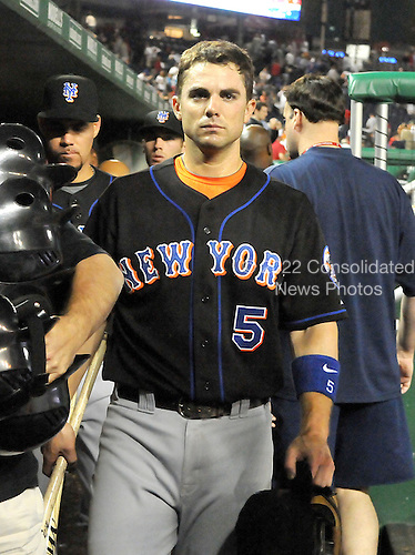 Washington, D.C. - September 16, 2008 -- New York Mets third baseman David Wright (5) stoically leaves the dugout after his team's 1 - 0 loss to the Washington Nationals at Nationals Park in Washington, D.C. on Tuesday, September 16, 2007..Credit: Ron Sachs / CNP.(RESTRICTION: NO New York or New Jersey Newspapers or newspapers within a 75 mile radius of New York City)