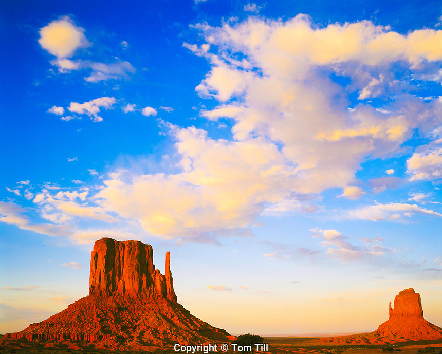 Mittens & Sunset Clouds, Monument Valley Tribal Park, Arizona / Utah