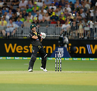 8th November 2019; Optus Stadium, Perth, Western Australia Australia; T20 Cricket, Australia versus Pakistan; David Warner of Australia moves out of the way of a short ball - Editorial Use
