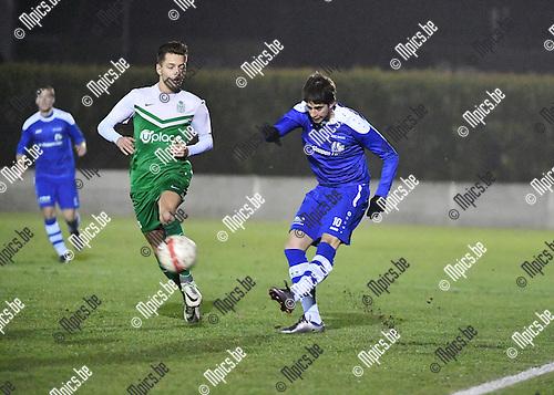 2016-12-10 / Voetbal / Seizoen 2016-2017 / Nijlen - Diegem / Jonathan Beugoms (l. Diegem) met Jens Dijck<br /> <br /> ,Foto: Mpics.be
