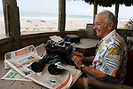 COCOA BEACH, FL - NOVEMBER 26, 2007: Al Neuharth, founder of USA Today and the Freedom Forum, pauses and looks over the ocean while writing his weekly column in his tree house of his home in Cocoa Beach, FL. (Photo by Dave Eggen/Inertia/Freedom Forum)