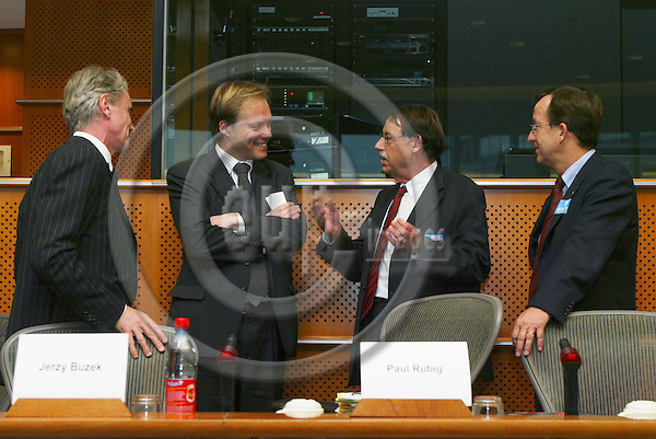 "BRUSSELS - BELGIUM - 10 JANUARY 2006 -- From left .Guy BAIRD, European Investment Bank, Kurt VANDENBERGHE, Deputy head of cabinet of Commissioner Potocnik, Jens ROSTRUP-NIELSEN, Research Director of Haldor Topsøe, and Gerhard RIEMER, Director of the Research and Education department, Federation of Austrian Industry, at panel discussion on FP7: ""Stimulate Innovation and Excellence in the EU"".  PHOTO: ERIK LUNTANG / EUP-IMAGES"