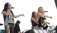 La cantante Lidia Avila, durante su presentacion en el concierto Exa 2013 en Leon Guanajuato.<br /> (*Foto:TiradorTercero/NortePhoto*) ...<br /> ,OV7