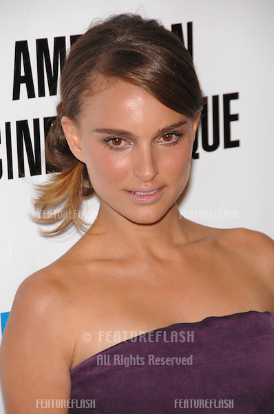 Natalie Portman at the American Cinematheque Gala at the Beverly Hilton Hotel..October 13, 2007  Los Angeles, CA.Picture: Paul Smith / Featureflash