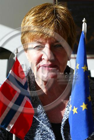 BRUSSELS - BELGIUM - 24 NOVEMBER 2004 --Vera SELNES, Director of Oslo Region European Office in Brussels.-- PHOTO: ERIK LUNTANG / EUP-IMAGES