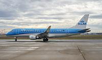 Cityhopper der KLM auf dem Frankfurter Flughafen - Frankfurt 16.10.2019: Eichwaldschuele Schaafheim am Frankfurter Flughafen