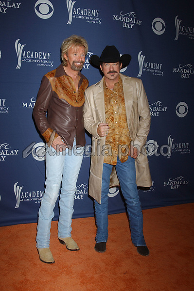 May 26, 2004; Las Vegas, NV, USA; Musician KIX BROOKS and RONNIE DUNN of 'Brooks & 'Dunn' during the 39th Annual Academy of Country Music Awards held at Mandalay Bay Resort and Casino. Mandatory Credit: Photo by Laura Farr/AdMedia. (©) Copyright 2004 by Laura Farr