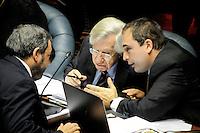 20160804/ Javier Calvelo - adhocFOTOS/ URUGUAY/ MONTEVIDEO/ Palacio Legislativo - C&aacute;mara de Senadores/ La C&aacute;mara de Senadores se reune para la interpelacion que propone el Partido Nacional al Ministro de Economia del Frente Amplio en relacion al proyecto de  rendici&oacute;n de cuentas.<br /> En la foto: Danilo Astori, Mario Bergara y Pablo Ferreri durante la interpelaci&oacute;n en C&aacute;mara de Senadores del Palacio Legislativo. Foto: Javier Calvelo/ adhocFOTOS