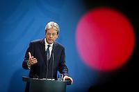 Der italienische Ministerpr&auml;sident Paolo Gentiloni nimmt am Mittwoch (18.01.17) in Berlin zusammen mit der Bundeskanzlerin an einer Pressekonferenz teil.<br /> Foto: Axel Schmidt/CommonLens
