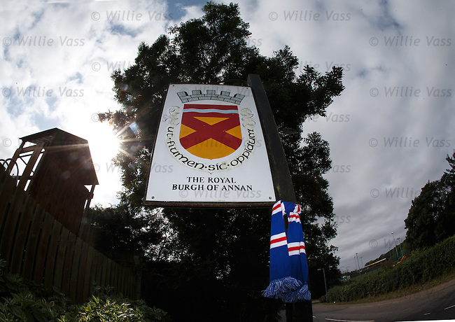 Rangers arrive in Annan on their travels.