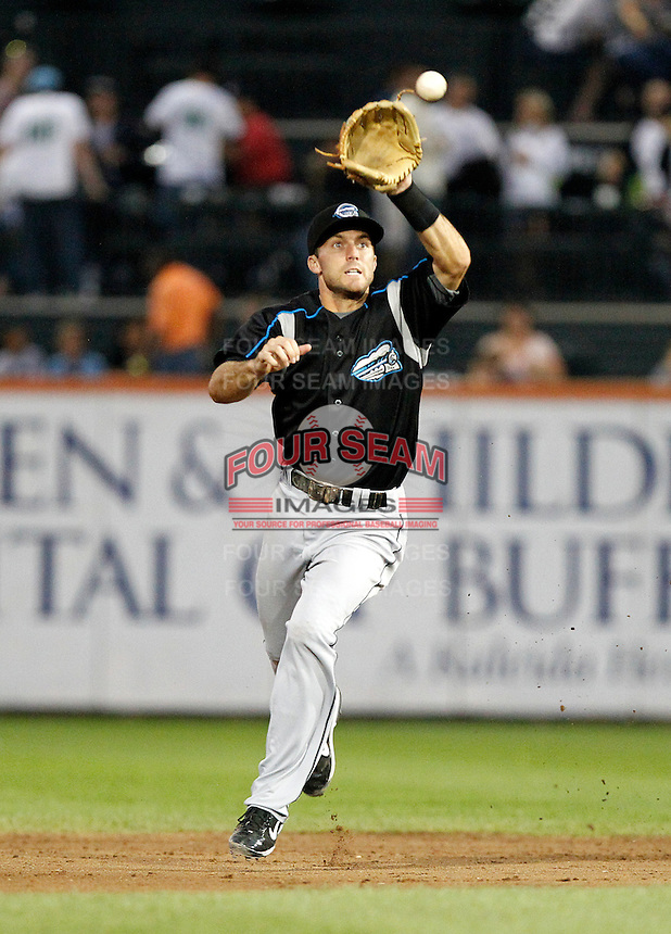 Syracuse Chiefs second baseman Steve Lombardozzi #4 during a game against the Buffalo Bisons at Coca-Cola Field on September 1, 2011 in Buffalo, New York.  Syracuse defeated Buffalo 6-2.  (Mike Janes/Four Seam Images)