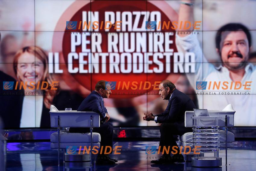 Silvio Berlusconi e Bruno Vespa<br /> Roma 12-11-2015 Studi Rai via Teulada. Trasmissione Porta a Porta. Tv Show Porta a Porta.<br /> Photo Samantha Zucchi Insidefoto