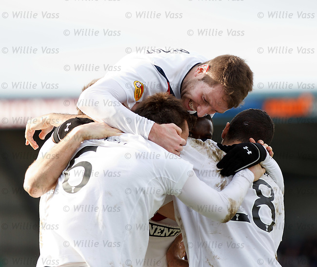 Kirk Broadfoot celebrates with Lee McCulloch