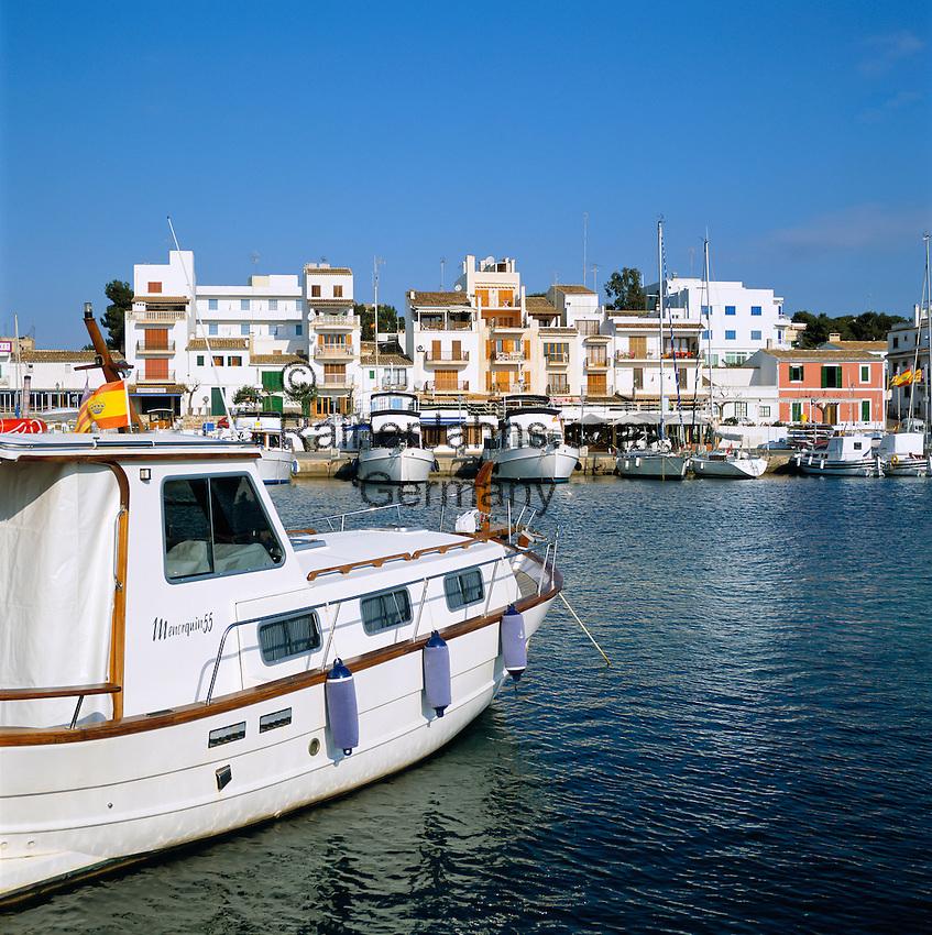 Spain, Balearic Islands, Mallorca, Portopetro: harbour and town | Spanien, Balearen, Mallorca, Portopetro: Stadtansicht mit Hafen