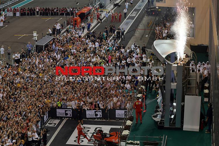 01.12.2019, Yas Marina Circuit, Abu Dhabi, FORMULA 1 ETIHAD AIRWAYS ABU DHABI GRAND PRIX 2019<br />, im Bild<br />Podium:<br />Sieger Lewis Hamilton (GB#44), Mercedes-AMG Petronas Motorsport, 2.Platz für Max Verstappen (NEL#33), Aston Martin Red Bull Racing, 3.Platz für Charles Leclerc (MCO#16), Scuderia Ferrari Mission Winnow<br /> <br /> Foto © nordphoto / Bratic